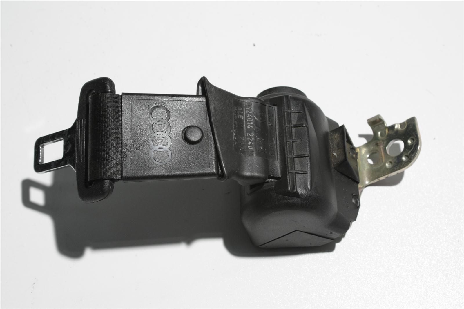Audi 100/A6 C4 automatisch aufrollender Beckengurt Hinten Mitte schwarz 4A0857713N