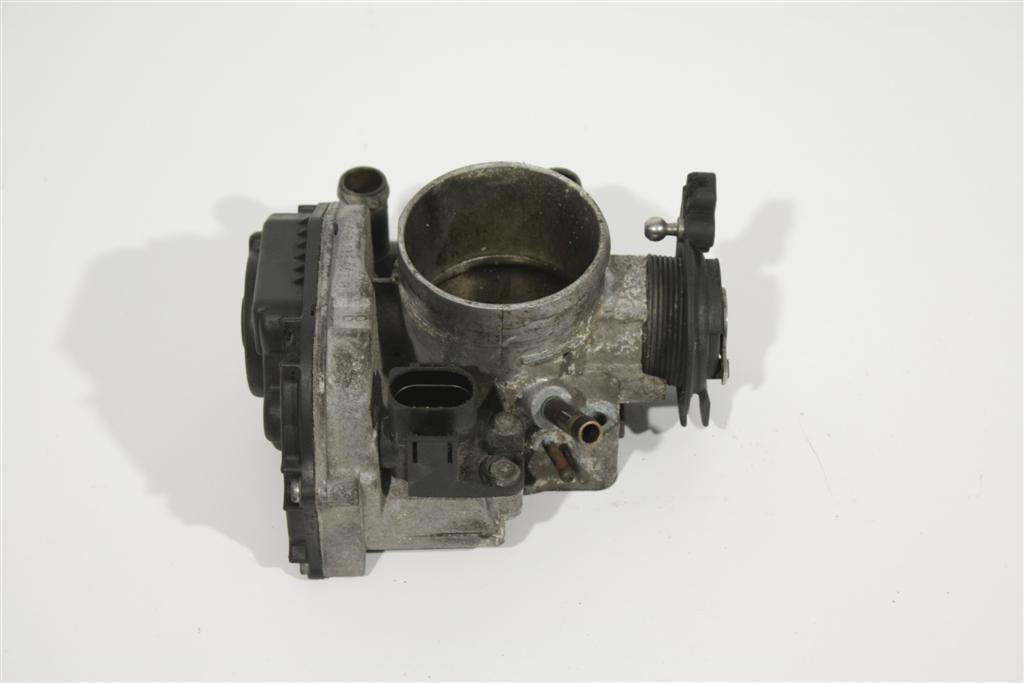 Audi/VW A4 B5/A6 4B/Passat 1.8l ADR/AFY Drosselklappe 058133063H 058133063H