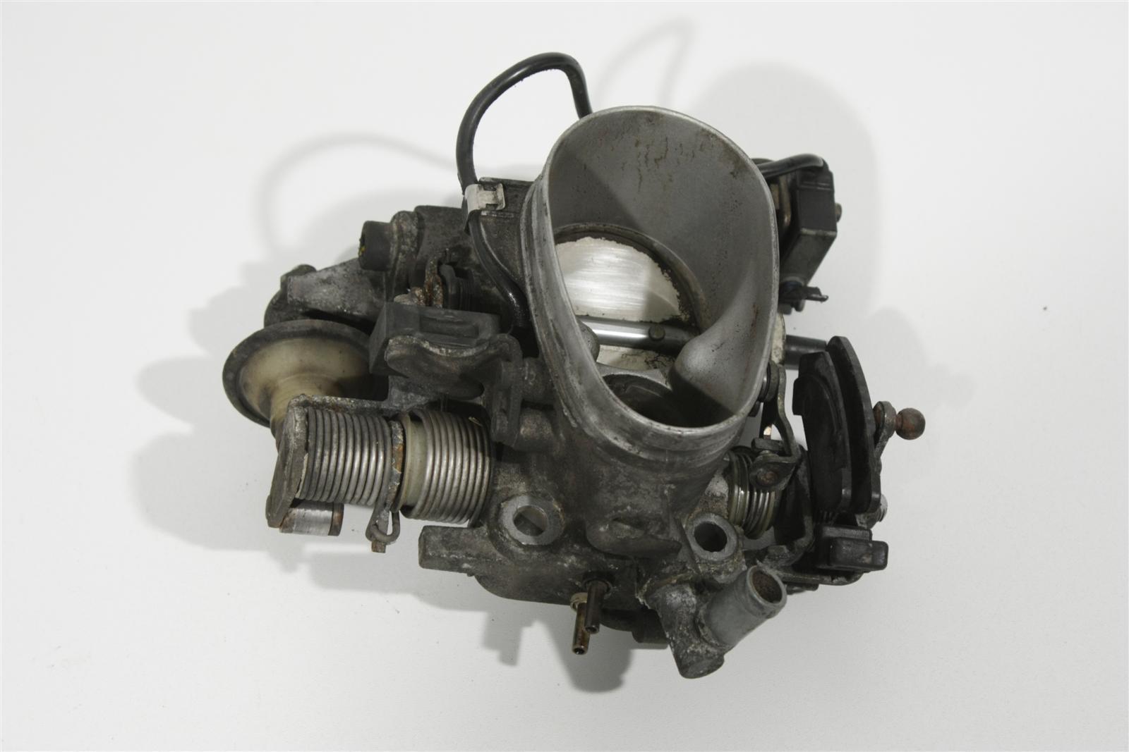 Audi 80 B4/100 C4 2.3 NG/AAR Drosselklappe Schaltgetriebe 054133063D 054133063AB