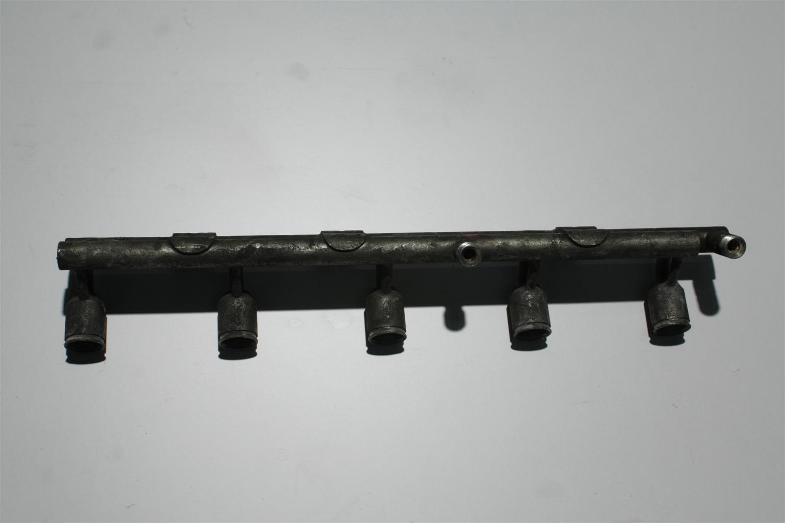 Audi 90 20V 7A Einspritzleiste