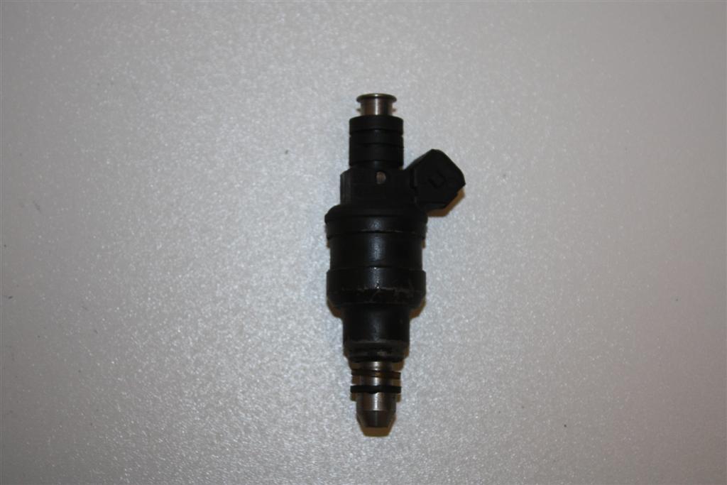 Audi V8 D11 3.6l 250PS PT Einspritzventil 077133551E 077133551C