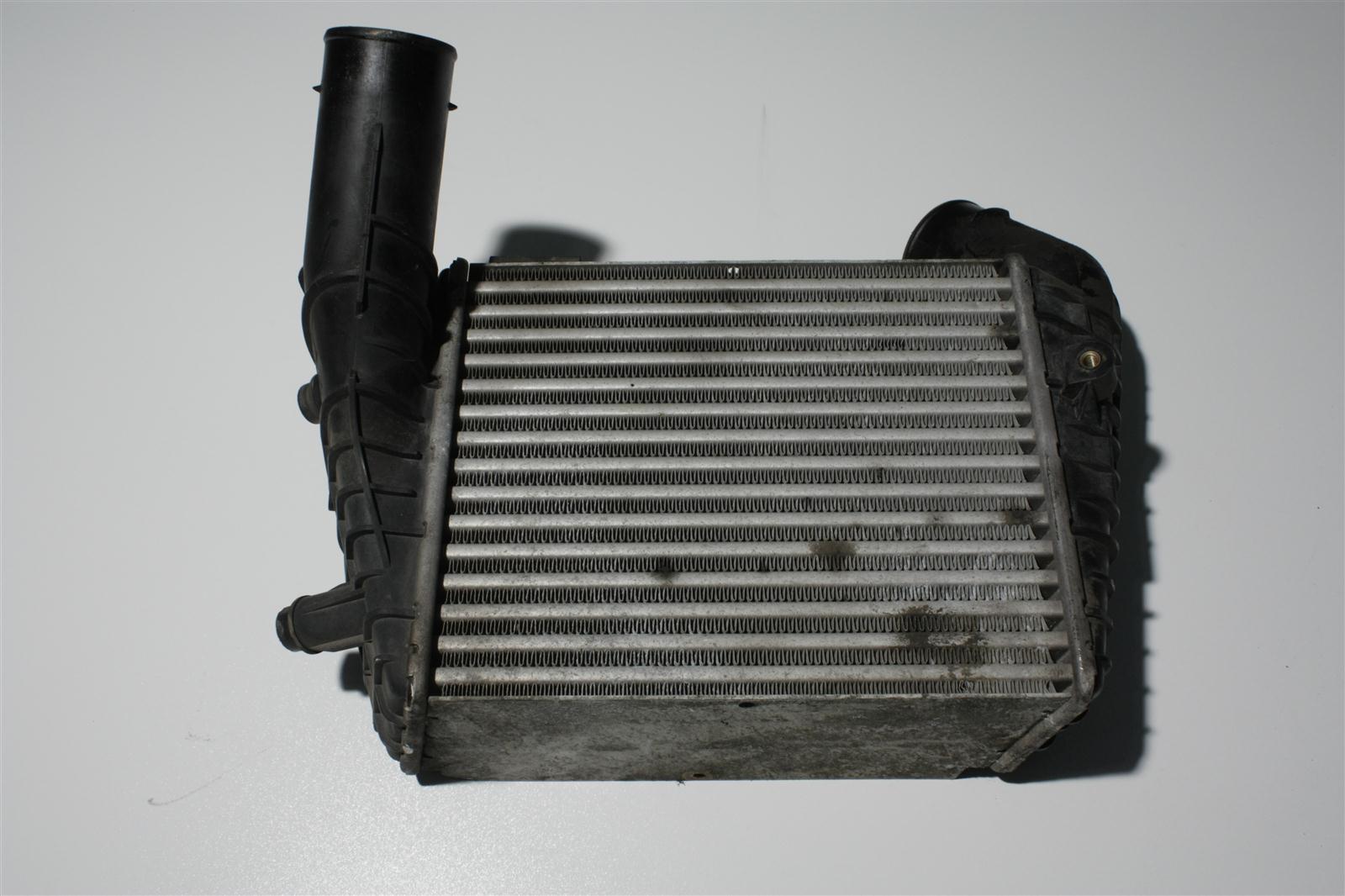Audi S4/S6 C4 AAN Ladeluftkühler 4A0145805J