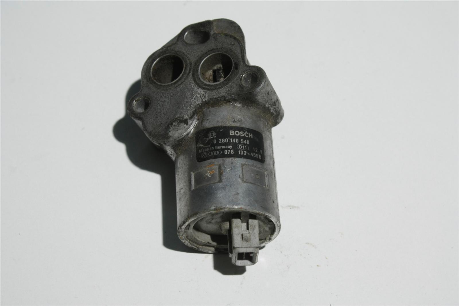 Audi 80/100/A6/A8 2,8l AAH Leerlaufregelventil 078133455B