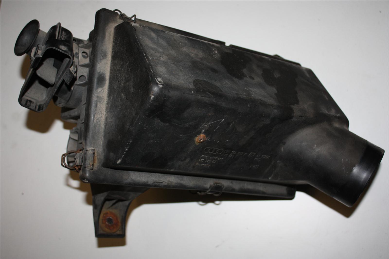Audi 80 B4 2.6l ABC Luftfilter 078133837F