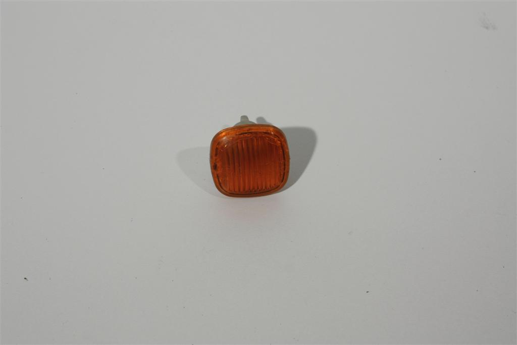 Audi A3/A4/A8 Blinker vorne orange 4D0949127