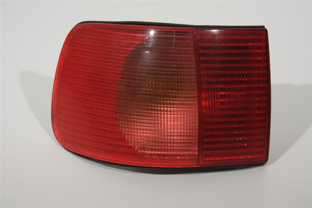 Audi A8/D2 Blinker/Rücklicht hinten Links 4D0945095