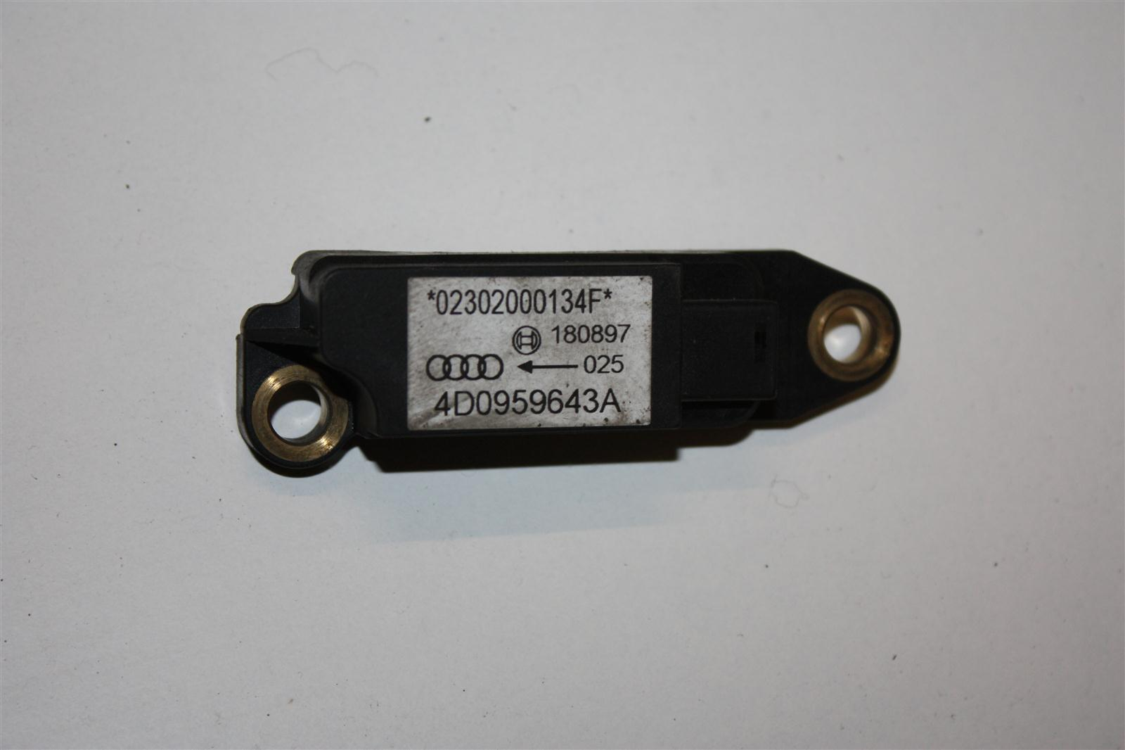 Audi A8 D2 Crash-Sensor 4D0959643A