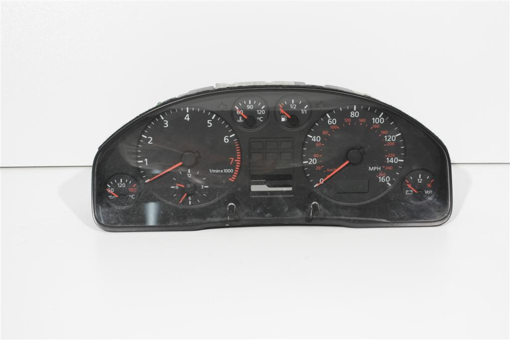 Audi A6 4B Kombiinstrument ohne FIS / Meilentacho aus Rechtslenker 4B0919910F