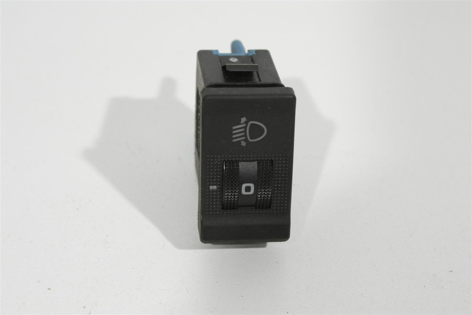 Audi 100 C4 Schalter Leuchtweitenregulierung 4A0941301