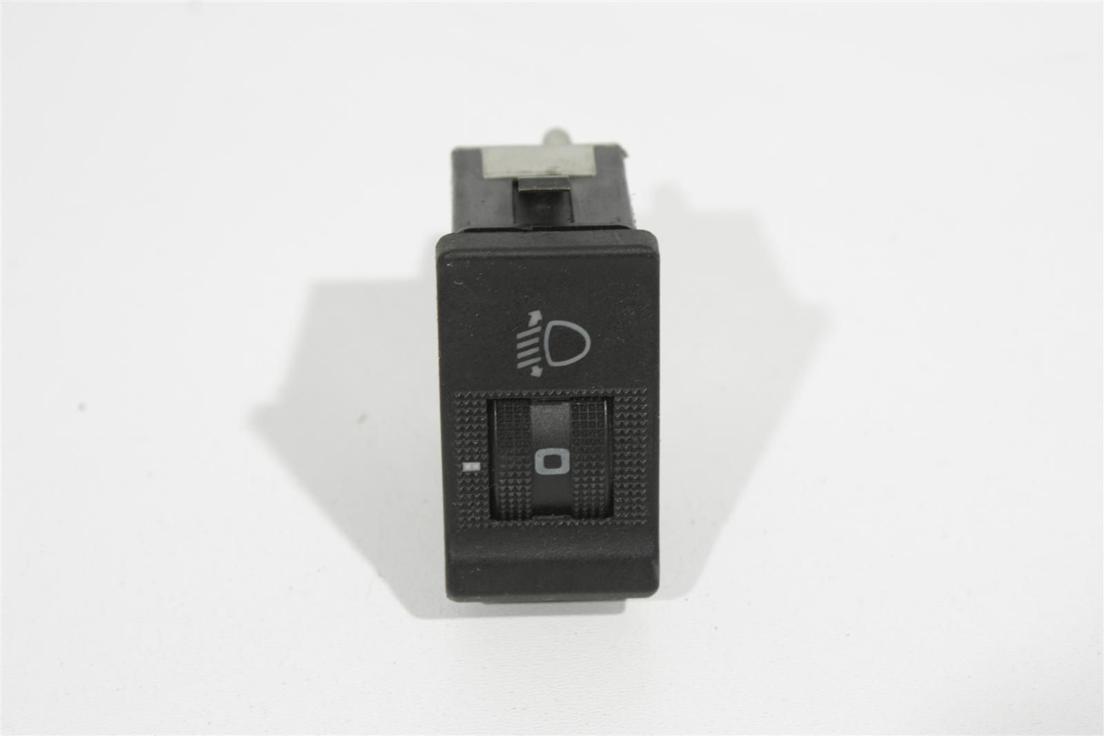 Audi 80/90 Typ 89/ B4 Schalter Leuchtweitenregulierung 893941301