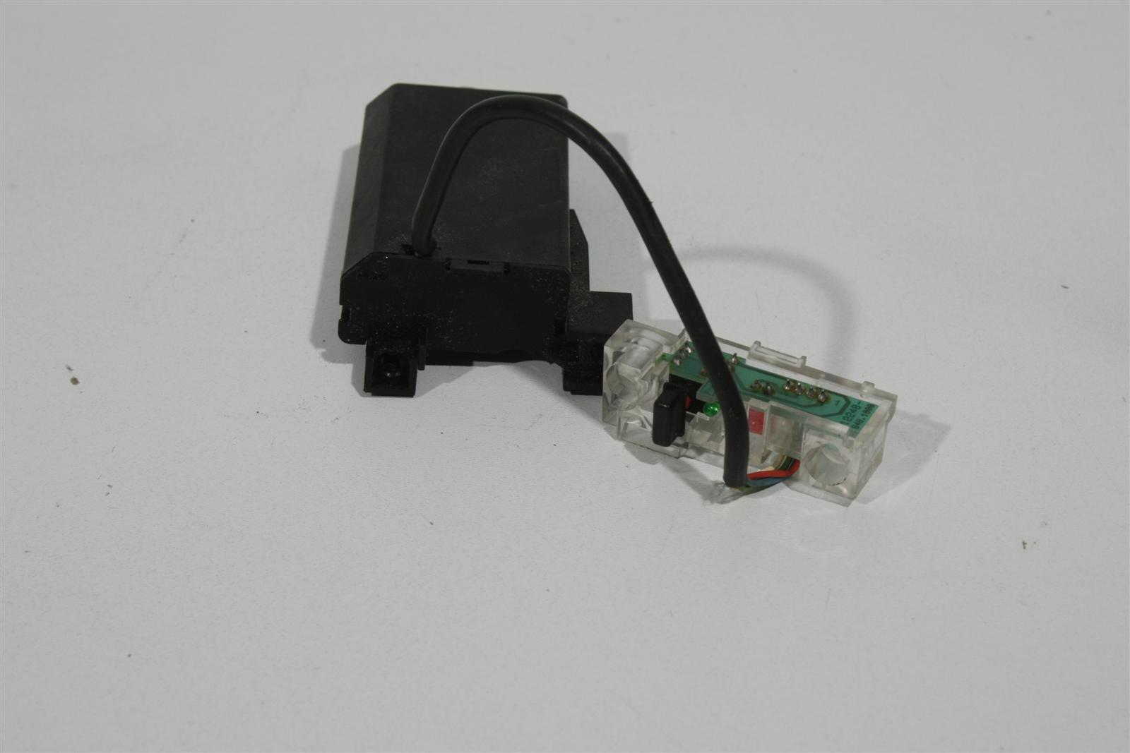 Audi 80/90 Typ 89 Schalter Umluft Klimaanlage 895820051