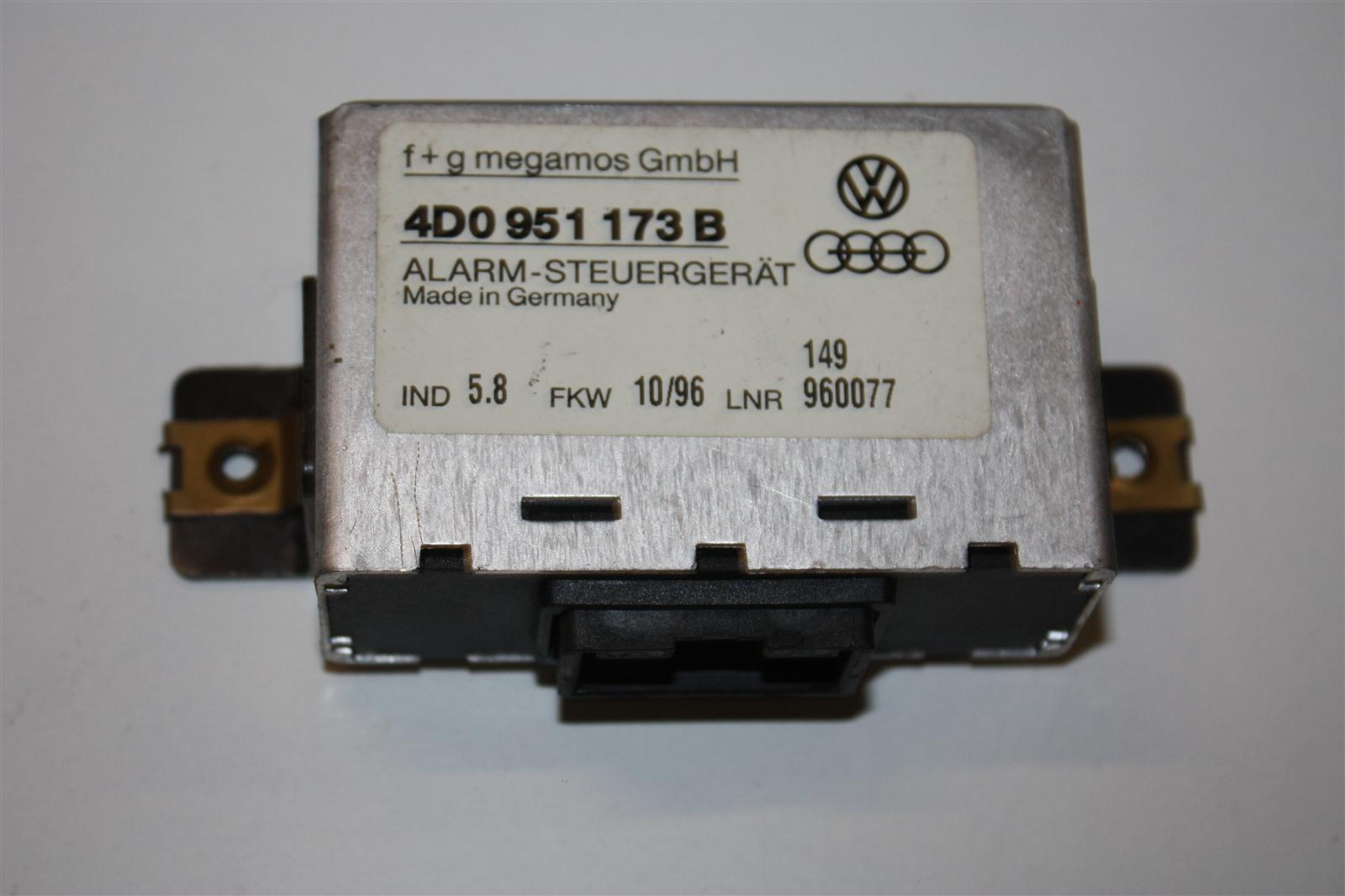 Audi/VW A4/A8 Alarm-Steuergerät 4D0951173B