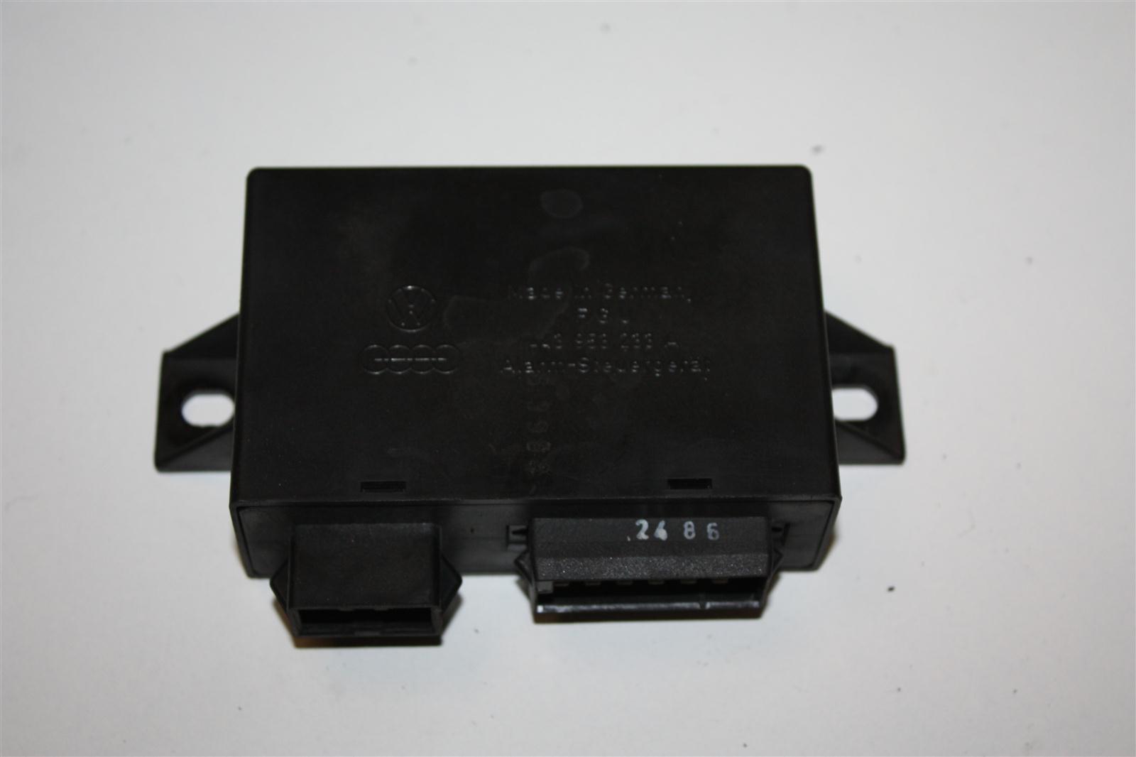 Audi/VW 80/90/100/200/V8 Alarm-Steuergerät 443953233A