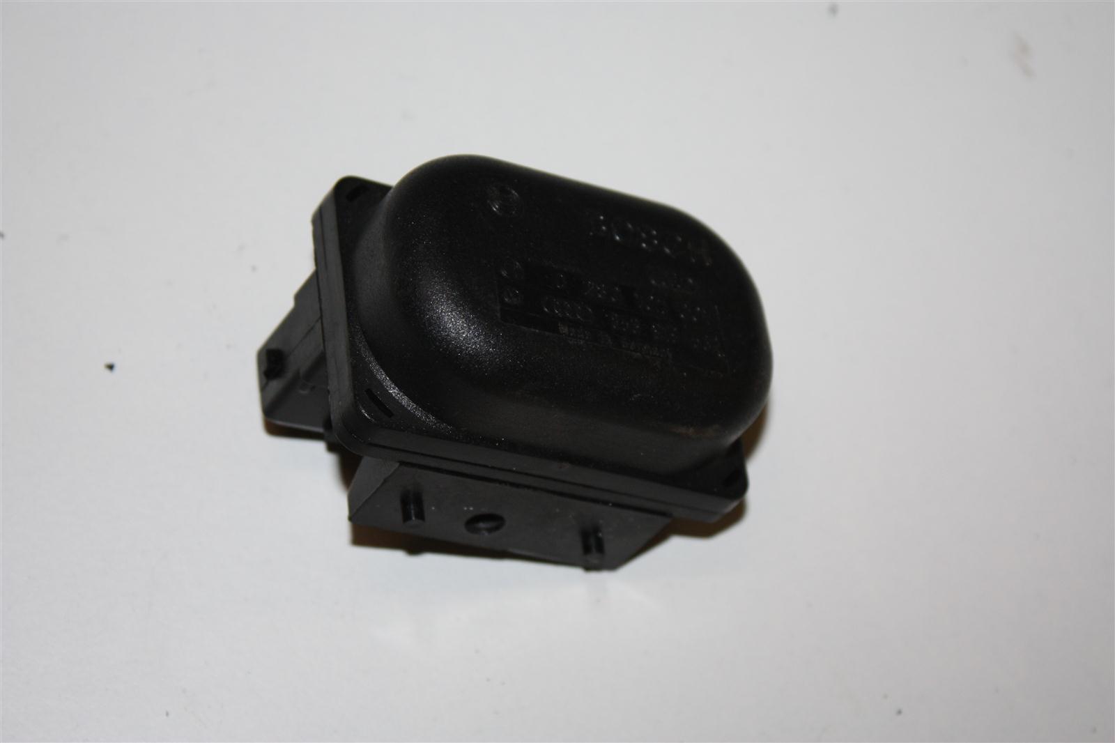 Audi 80/90/100/200/A3/A4/A6 Höhenkorrekturschalter 853919562