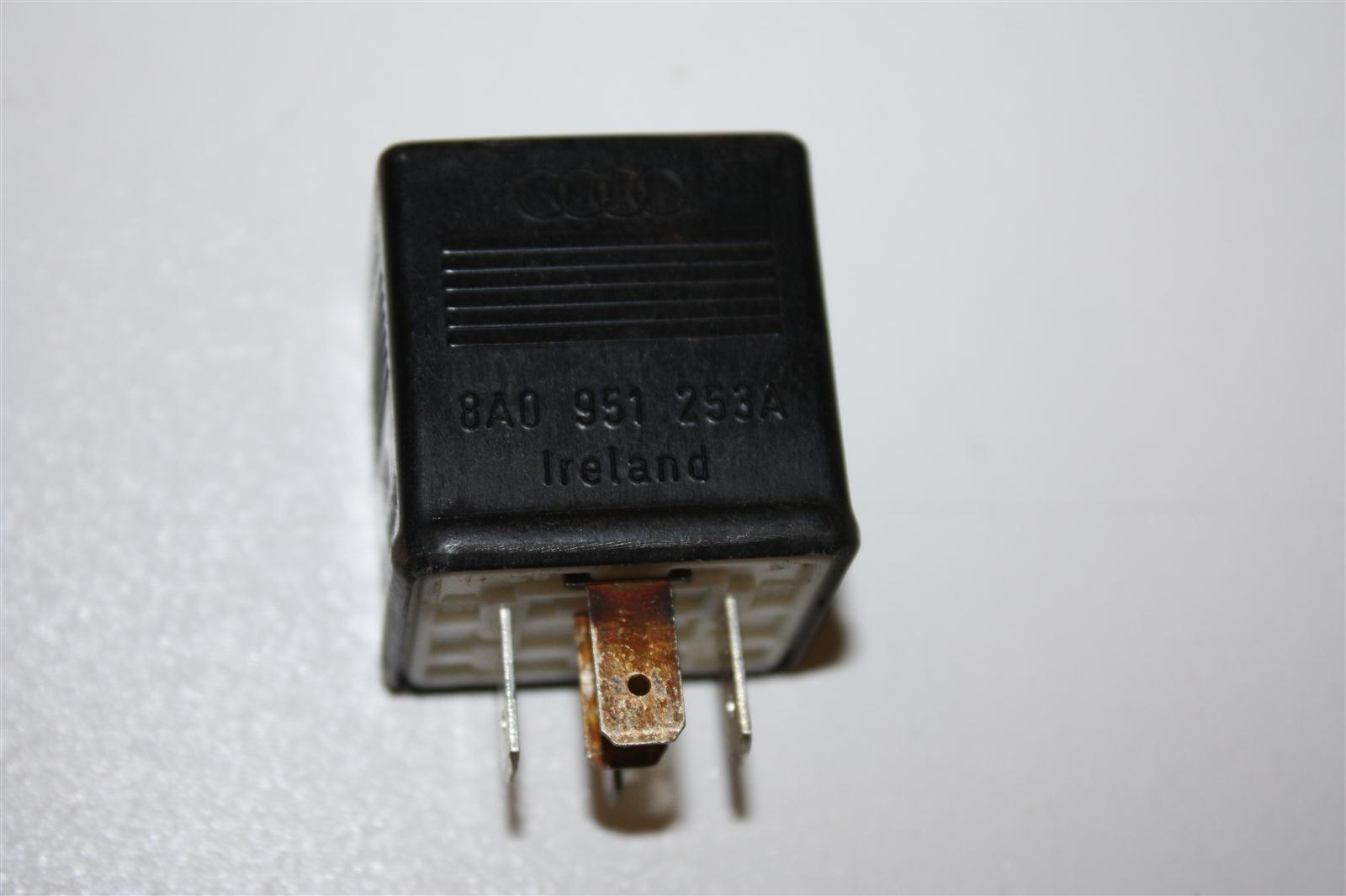 Audi/VW 80/100/A4/A6 Relais 203 elektrische Fensterheber 8A0951253A