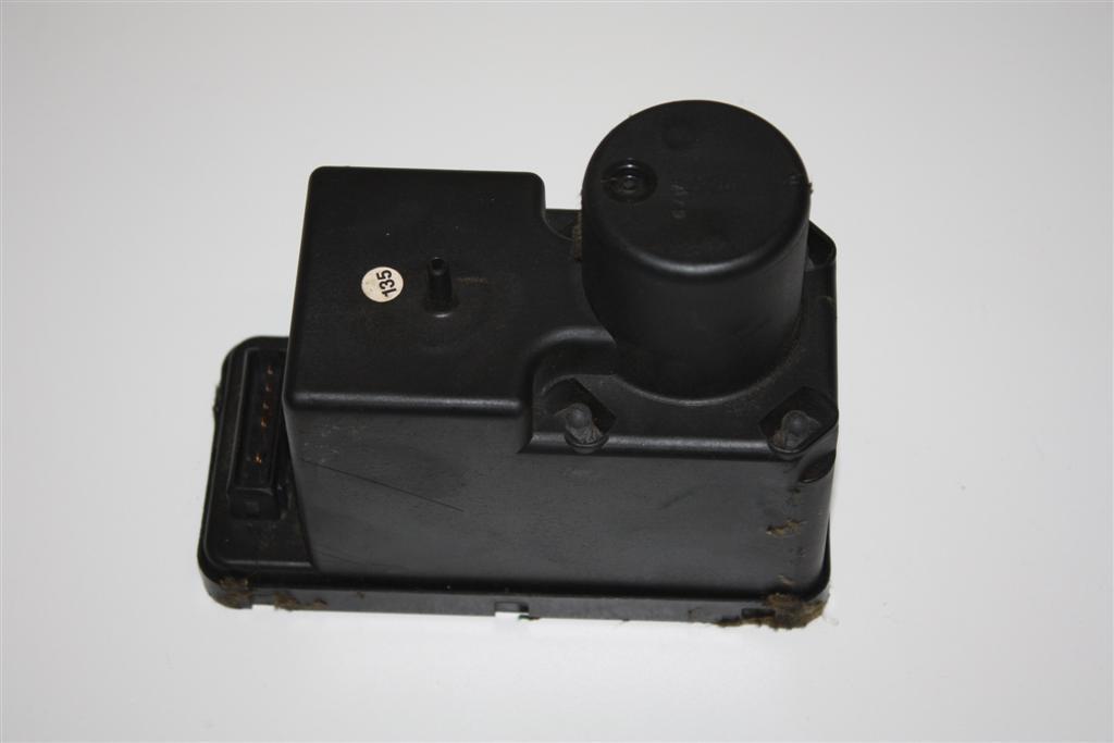Audi 80/90 Typ 89/100/200 Typ 44/V8 Pumpe Zentralverriegelung 443862257H 4438622