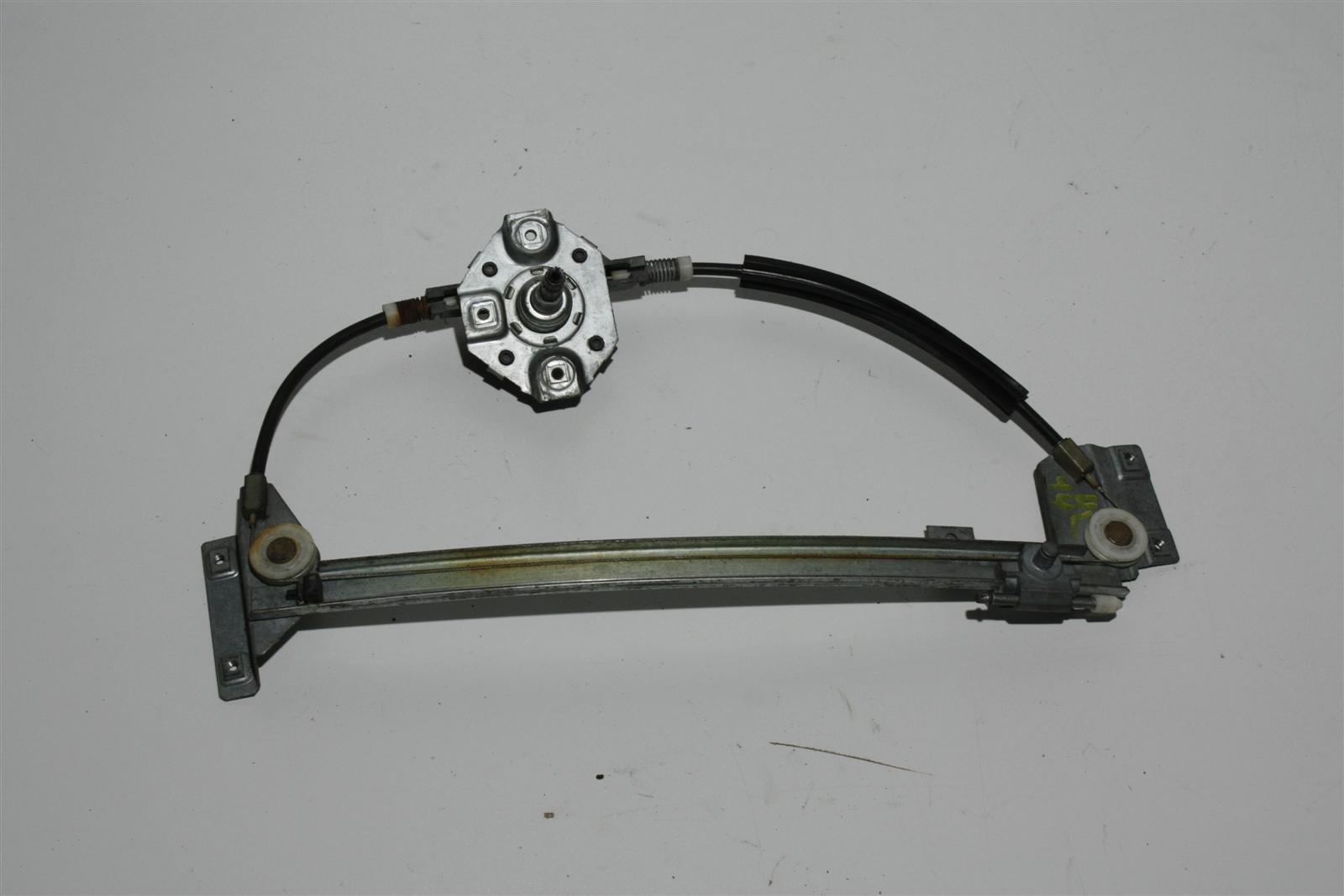 Audi 100/200 Typ 44/V8 man. Fensterheber Hinten Links 443839399A