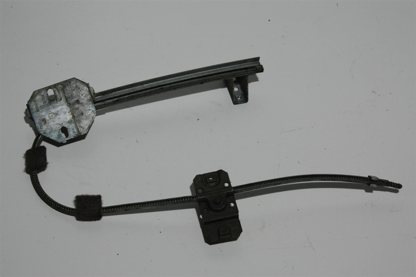Audi 80/90 Typ 81/85 man. Fensterheber Hinten Links 813839399C