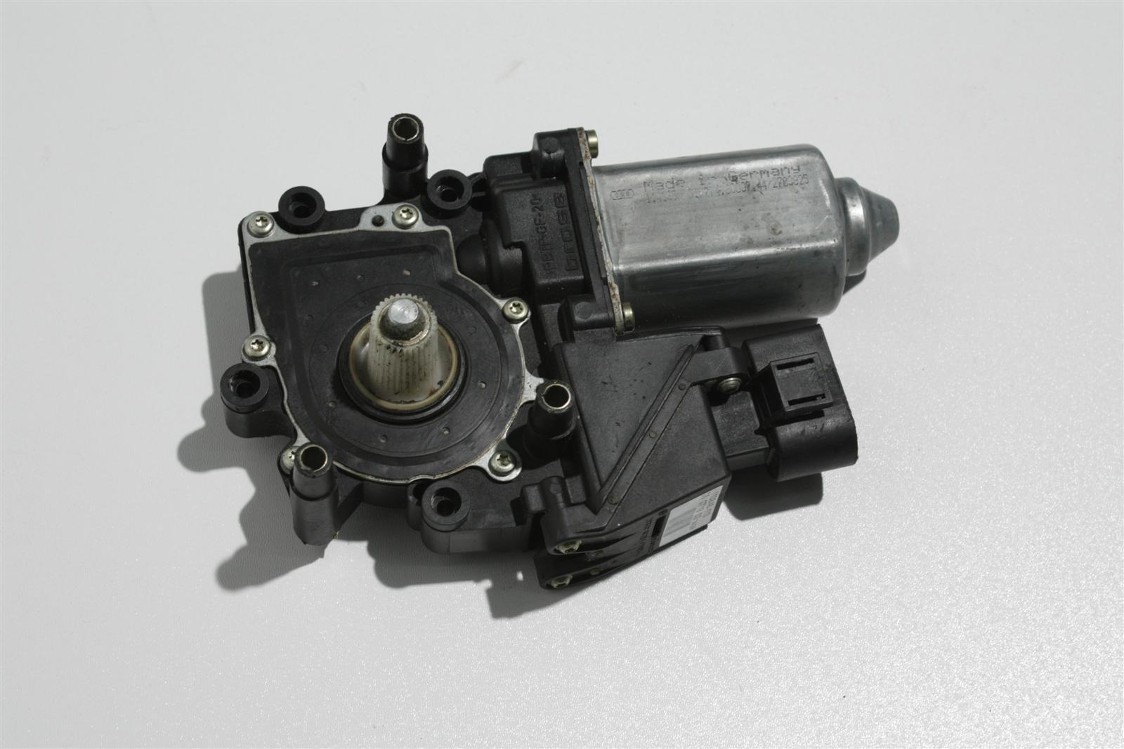 Audi A4 B5 Fensterhebermotor Vorne Links 8D0959801D