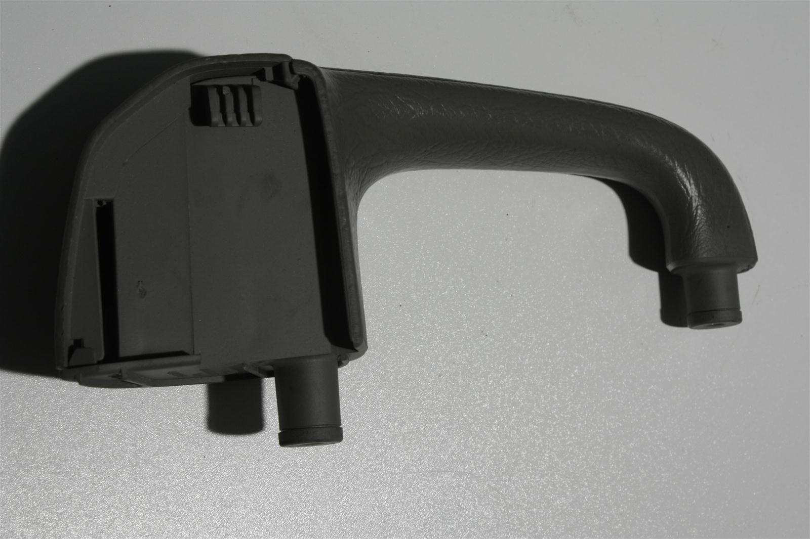Audi 100/A6 C4 Haltegriff Vorne Rechts platin 4A0867172