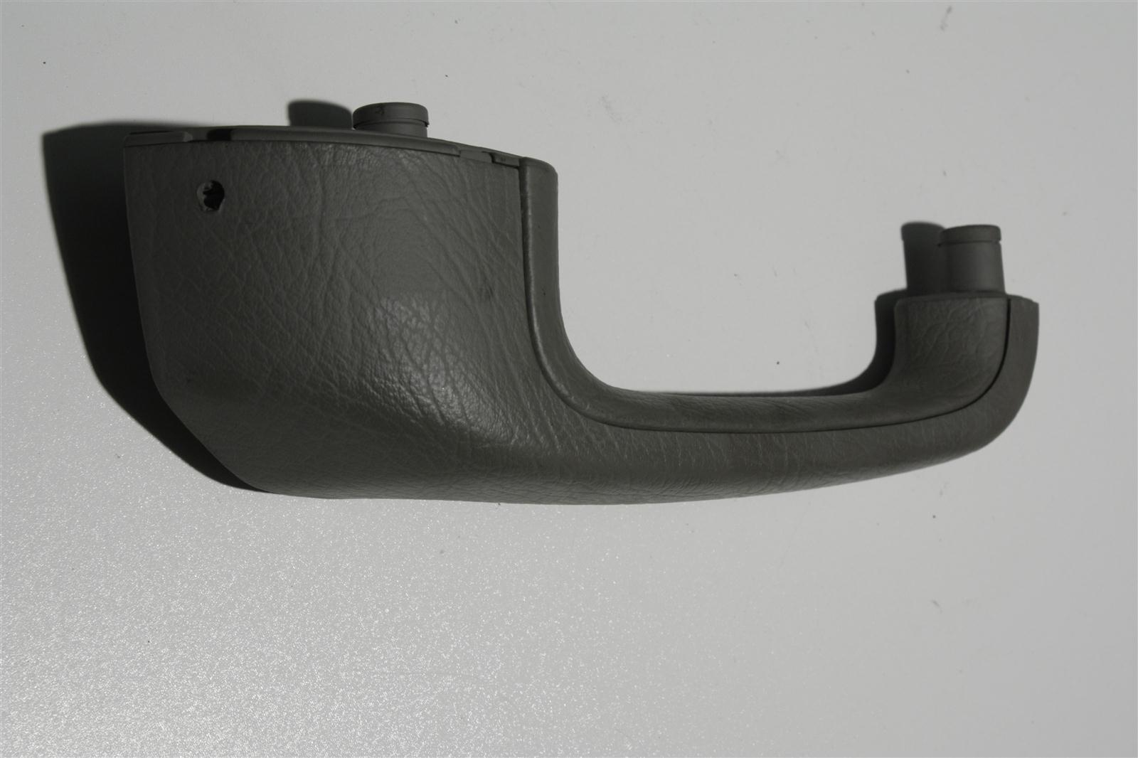 Audi 100/A6 C4 Haltegriff Hinten Rechts platin 4A0867372