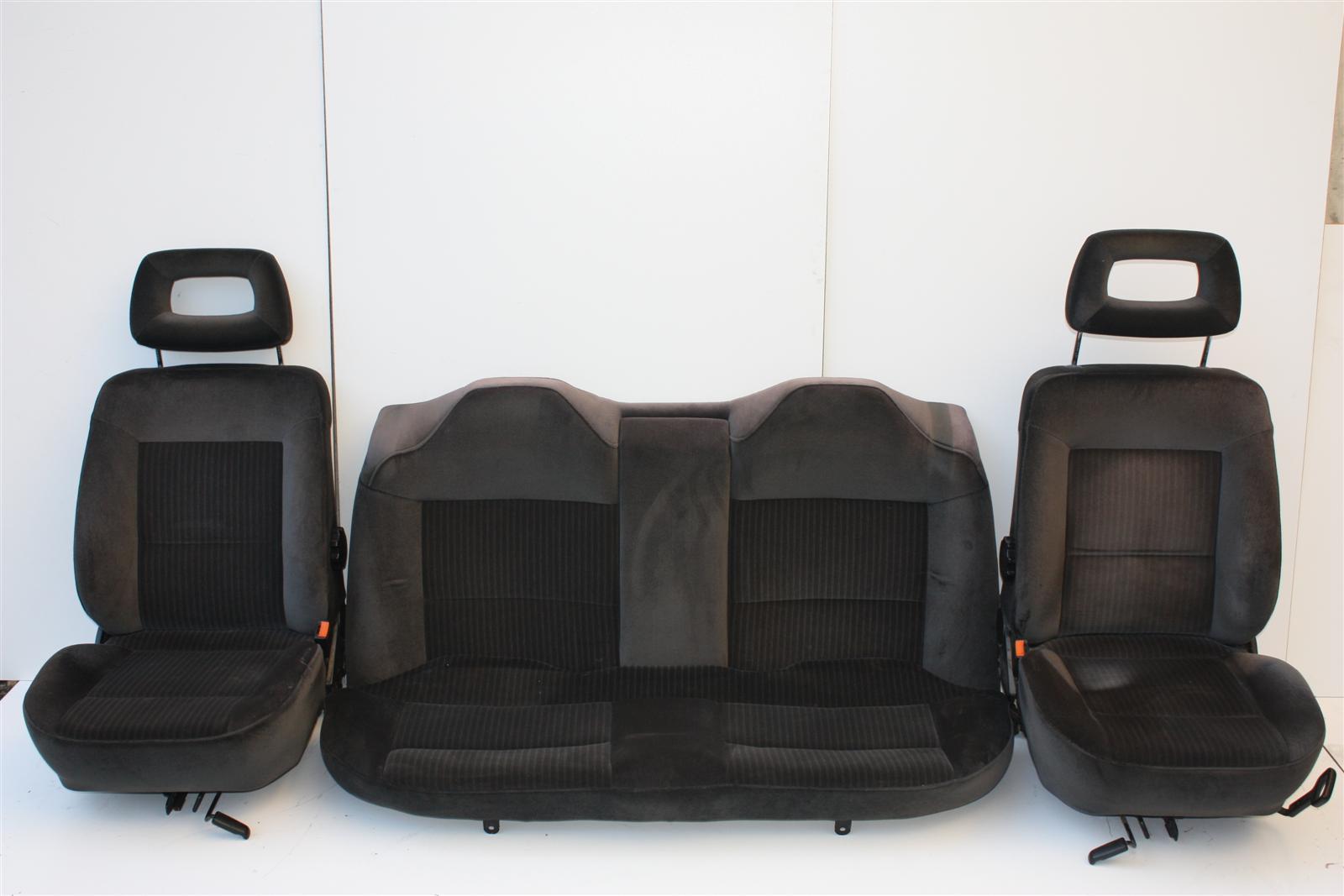 audi 80 90 typ 89 limousine innenausstattung velours grau. Black Bedroom Furniture Sets. Home Design Ideas