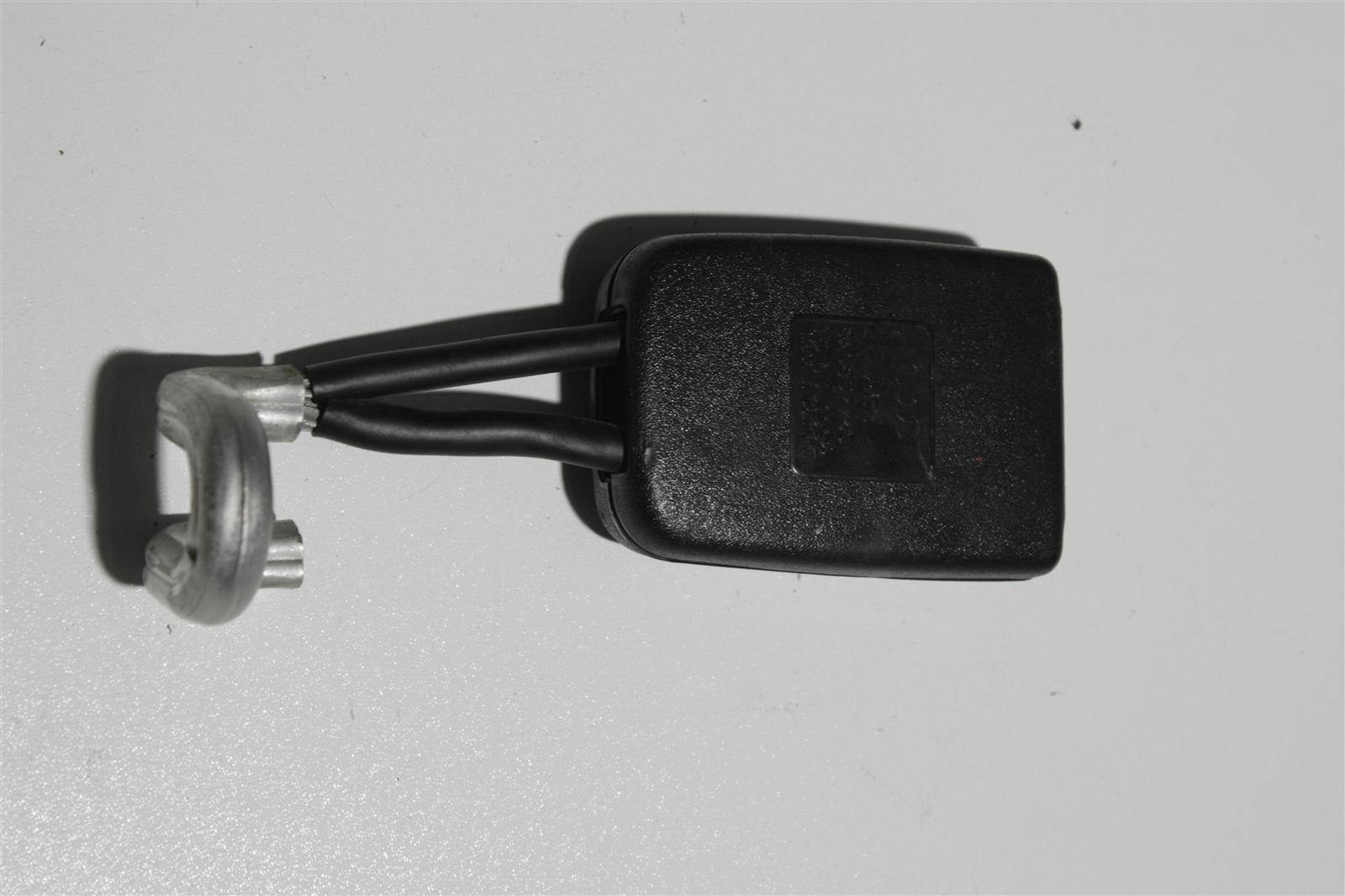 Audi 80 B4 Gurtschloss Hinten 8A0857740