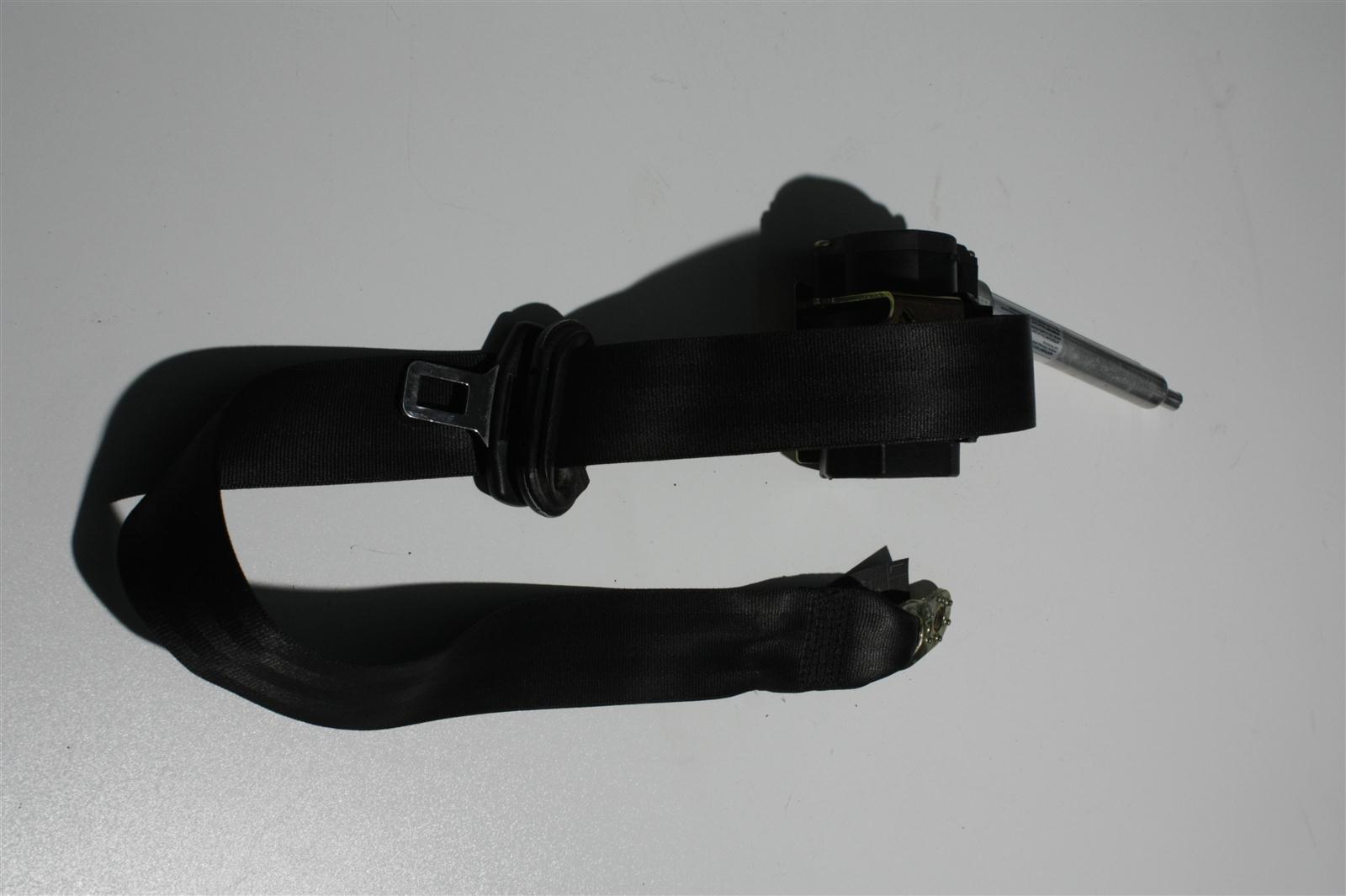Audi 80 B4/A4 B5 Sicherheitsgurt + Gurtstraffer Vorne Links schwarz 8D0857705A
