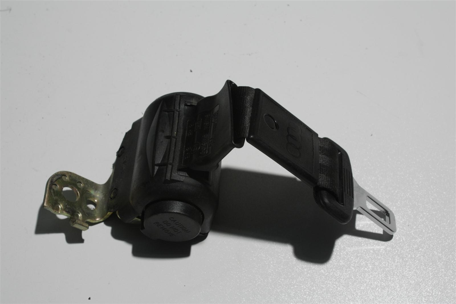 Audi 100/A6 C4 automatisch aufrollender Beckengurt Hinten Mitte schwarz 4A0857713H