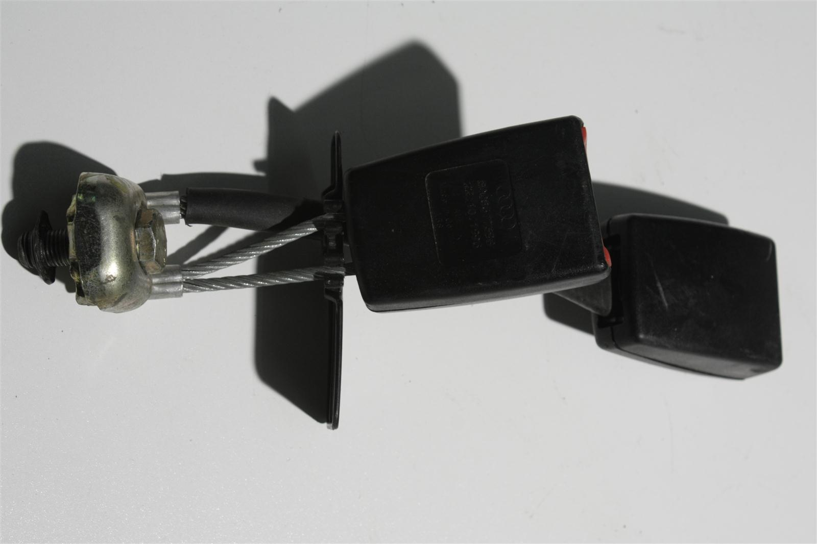 Audi A4 B5 Doppelgurtschloss Hinten 8D0857739B