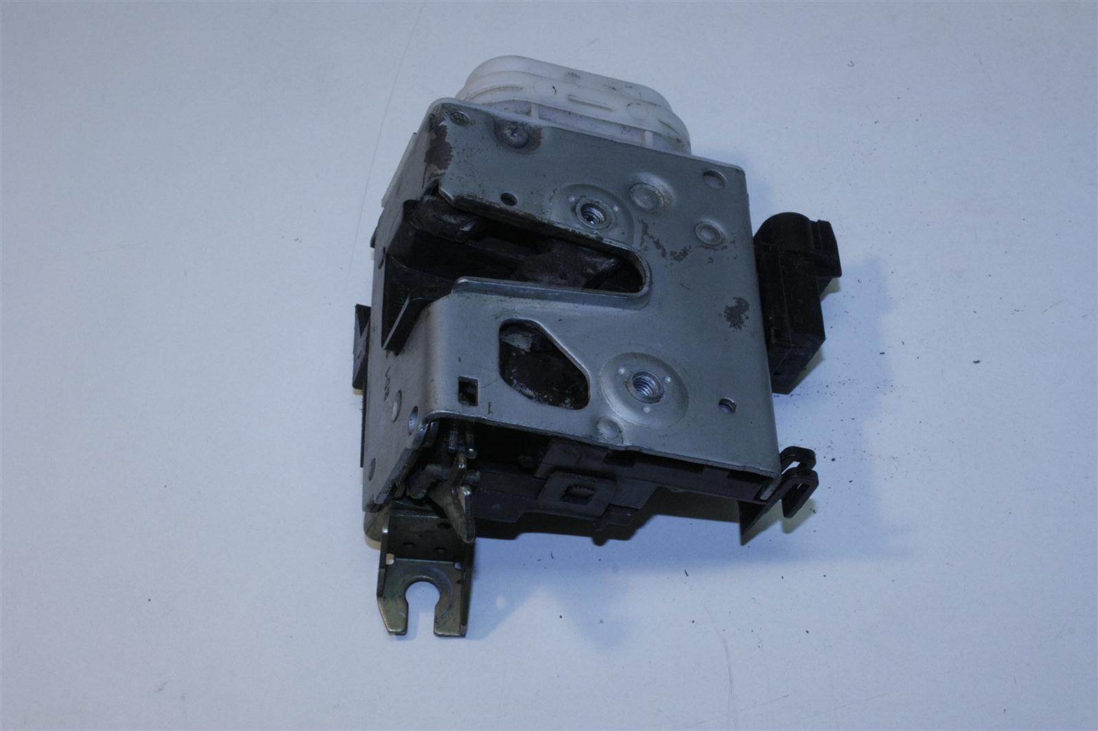Audi A4 B5/A8 D2 Türschloss Vorne Rechts 8D1837016F 8D1837016E
