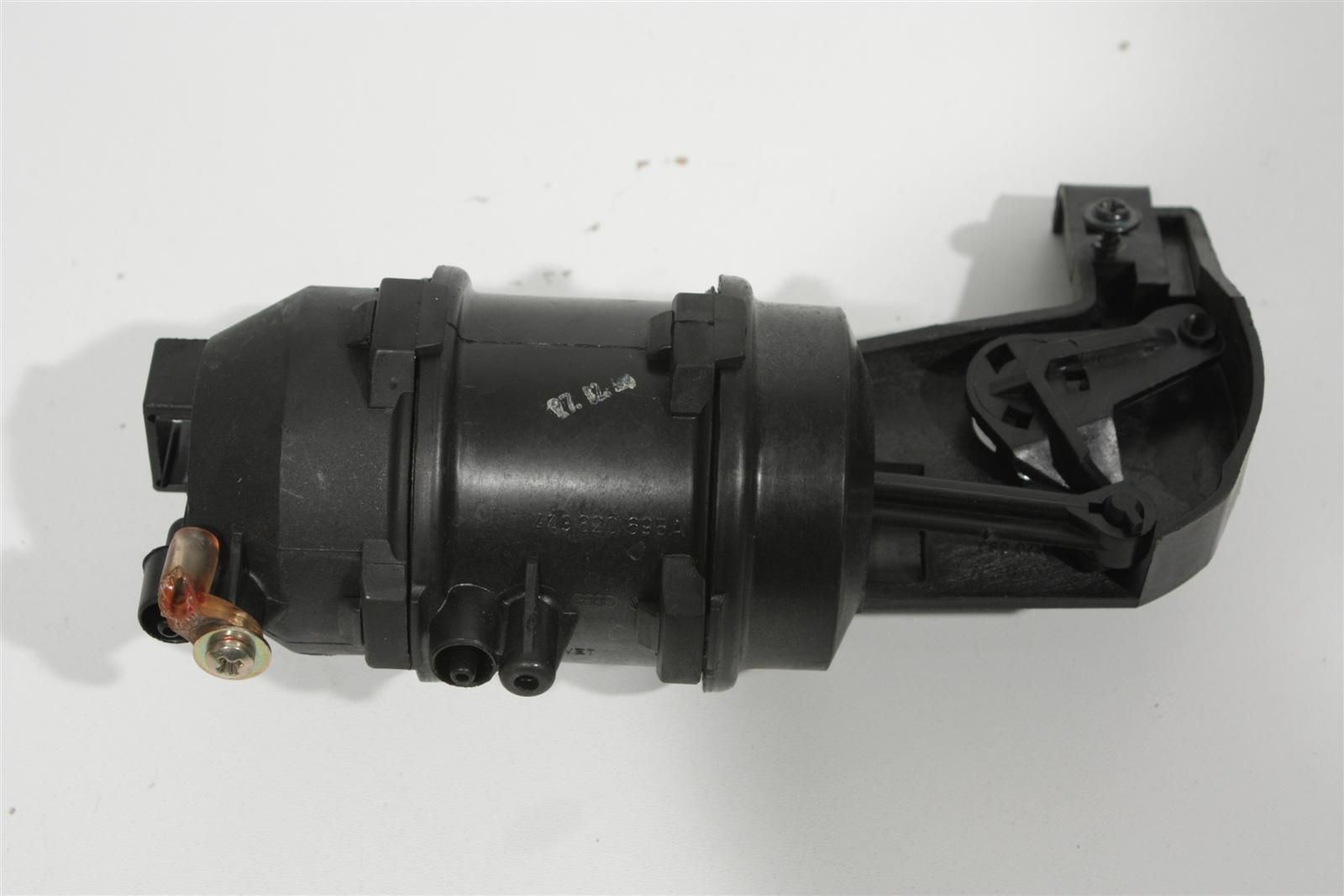 Audi 100/200 Typ 44/V8 Unterdruck Stellelement Klimaanlage 443820695A