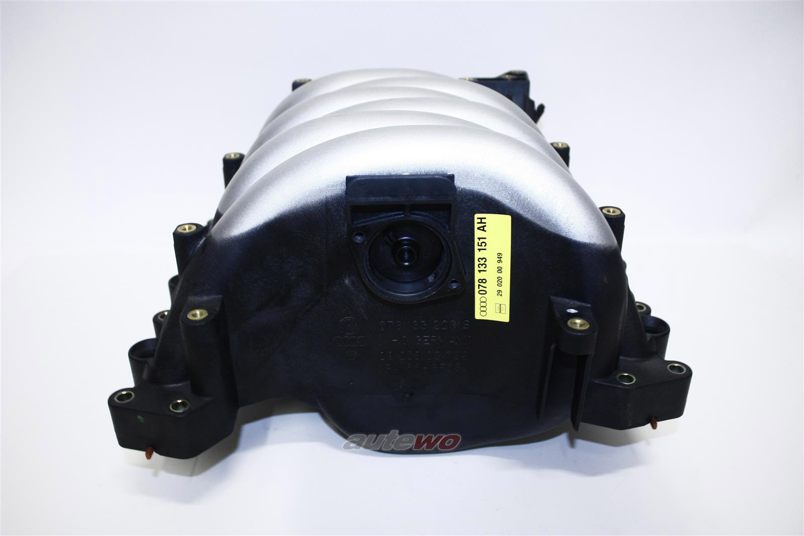078133201BA NEU Audi/VW A4 B5/A6 4B/Passat 2.4-2.8l Schaltsaugrohr