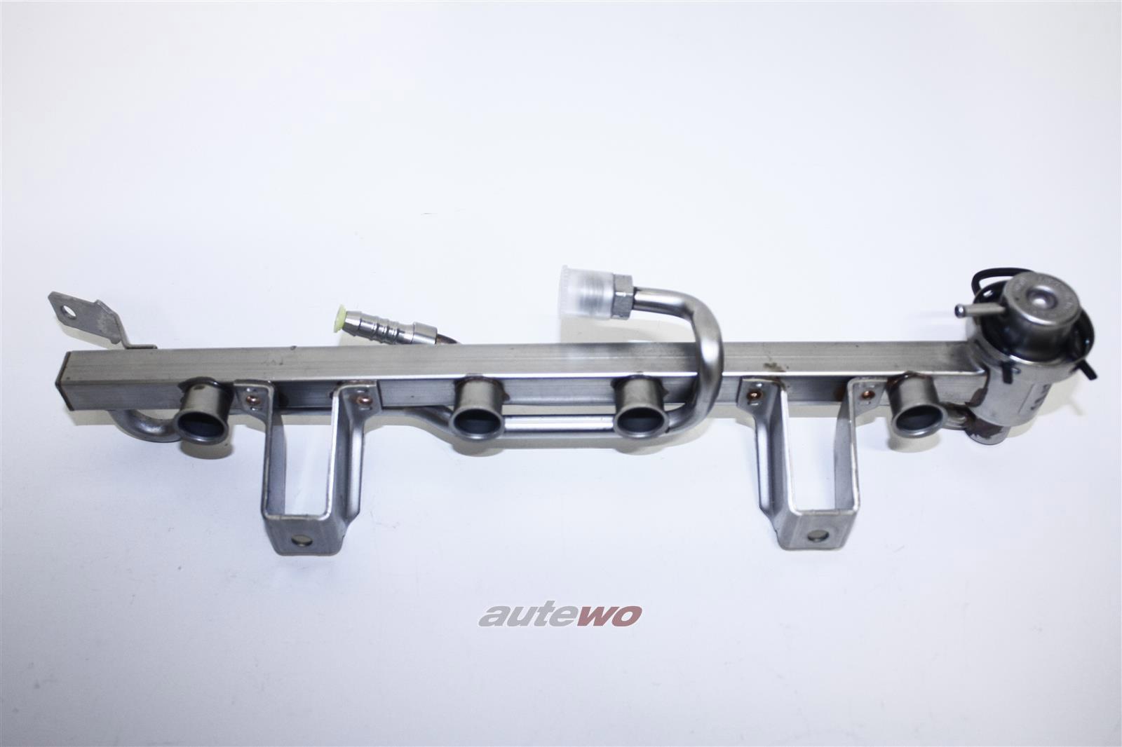 06B133317L & 078133534C 06B133317A NEU Audi/VW A4 B5/8E Einspritzleiste