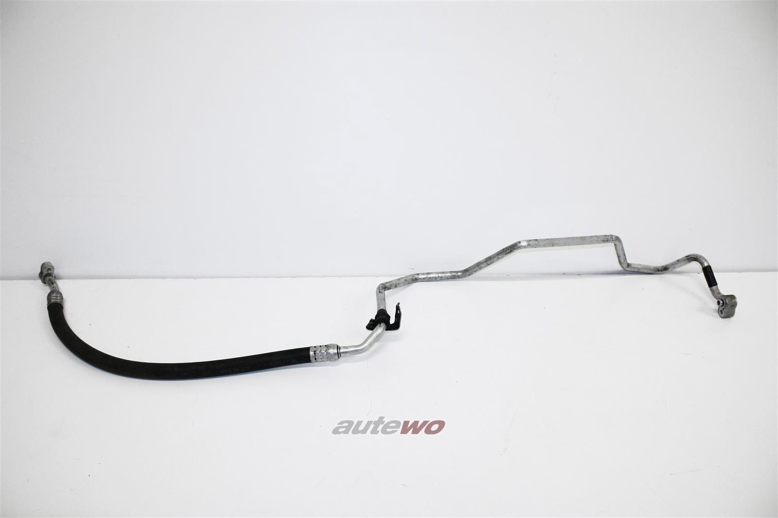 8D0260701K Audi/VW A4 B5/Passat 2.5l Klimaleitung Kompressor>Kondensator