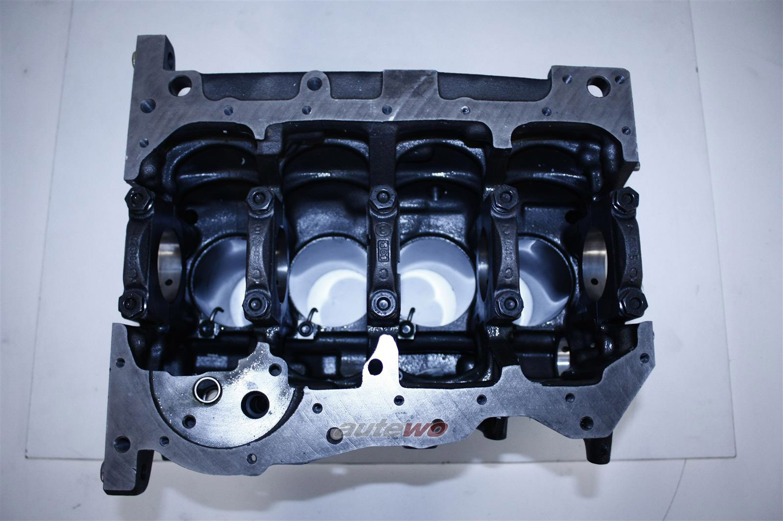 028100104FX NEU Audi A4 B5 1.9l TDI AHH Motorblock leer