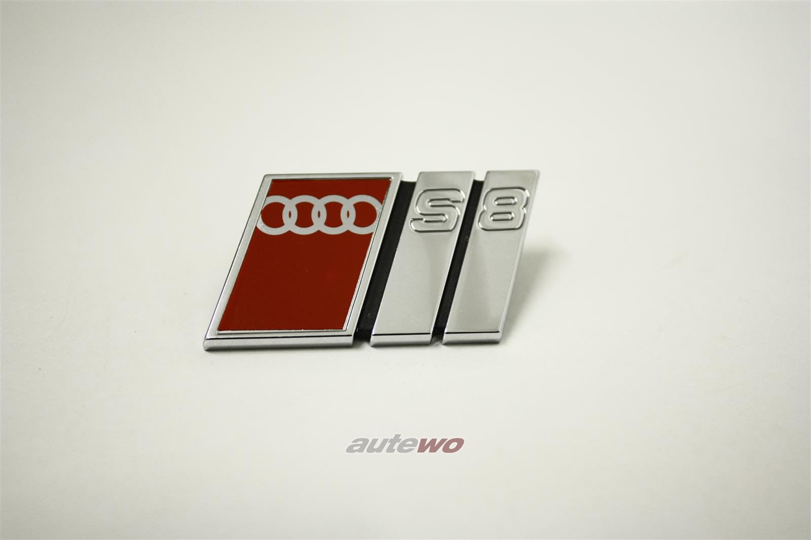 4D0853736A NEU Audi S8 D2 Schriftzug Kühlergrill S8