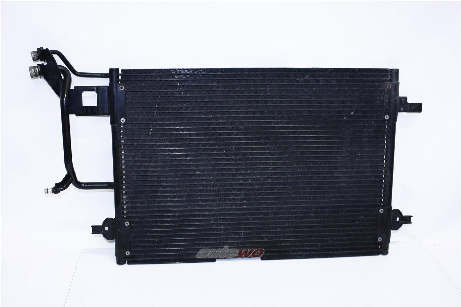 Audi A4 B5 4/6 Zylinder Kältemittel-/Klima-Kondensator 8D0260403C 8D0260401D