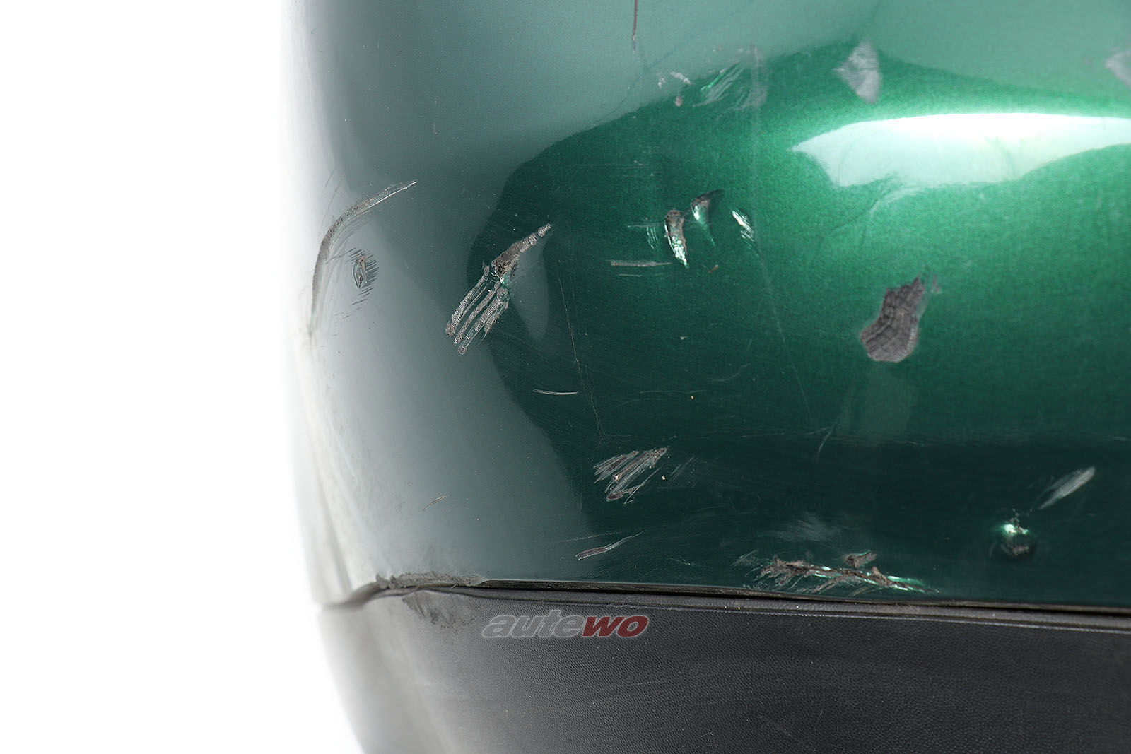 8D5807303/8D0807521 Audi A4 B5 Limousine Heckstoßstange Grün
