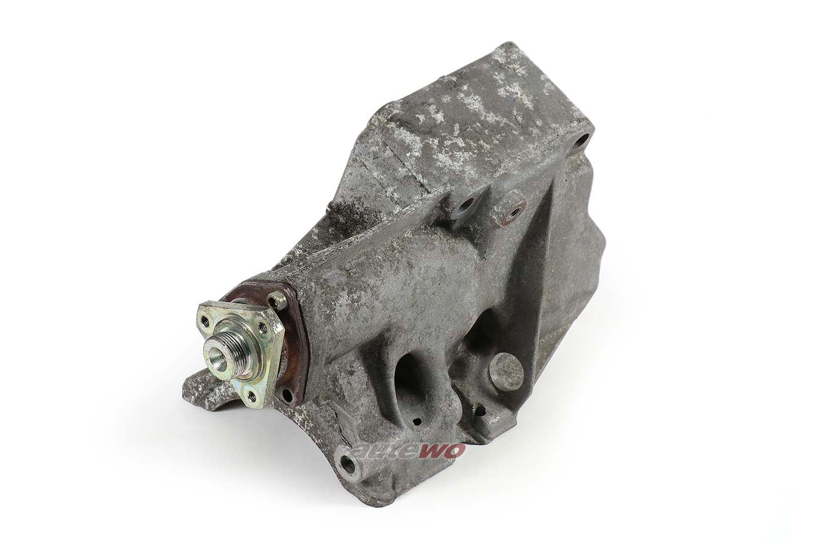 046903141D Audi 100/A6/S4/S6 C4 5 Zylinder Halter Lüfter/Klimakompressor