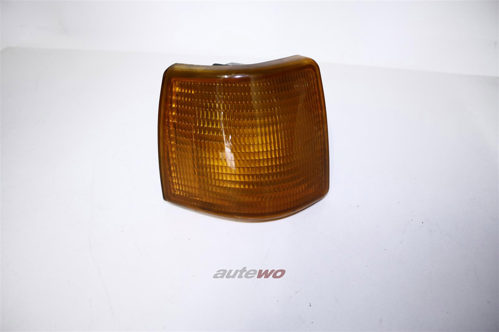 Audi 80 Typ 81 Blinker Hella Rechts orange 811953050D