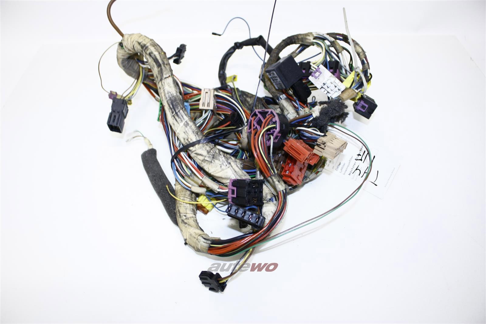 Audi 100 Typ 44 5 Zylinder Kabelbaum Zentralelektrik Instrumente/Schalter/Armaturenbrett