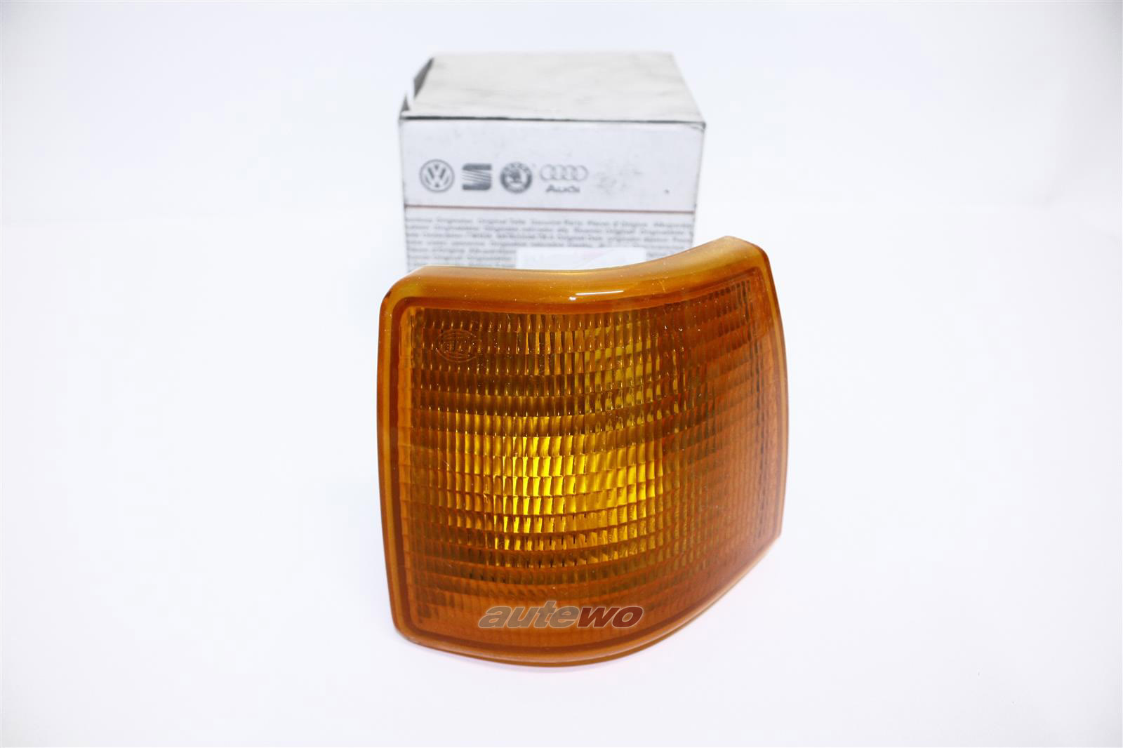NEU! Audi 80 Typ 81 Orig. Blinker Hella Li. orange 811953049D