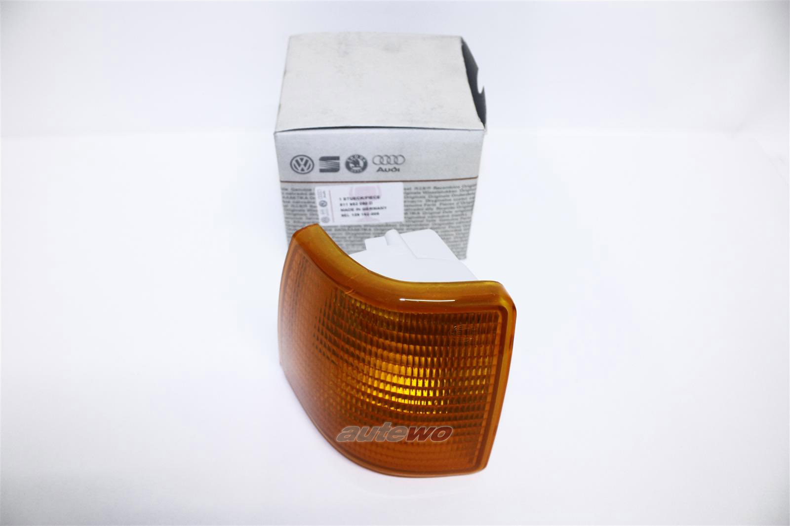 NEU! Audi 80 Typ 81 Orig. Blinker Hella Re. orange 811953050D