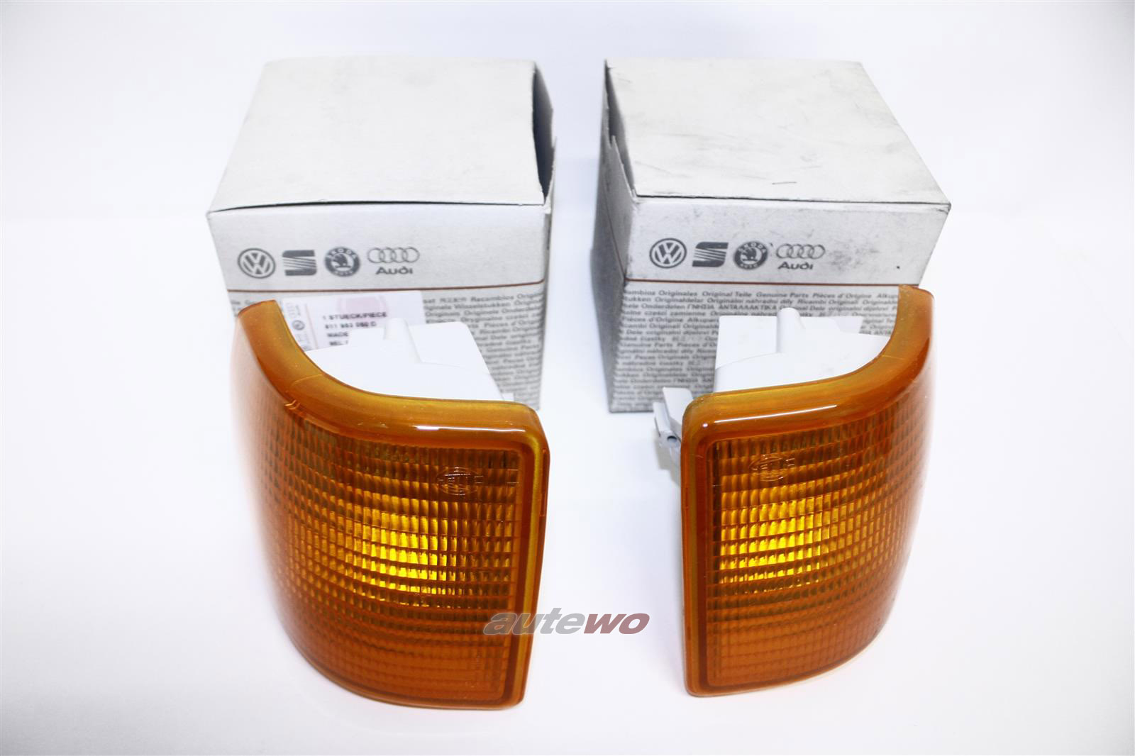 NEU! Audi 80 Typ 81 Orig. Blinker Paar Hella Li. & Re. orange 811953049D & 81195