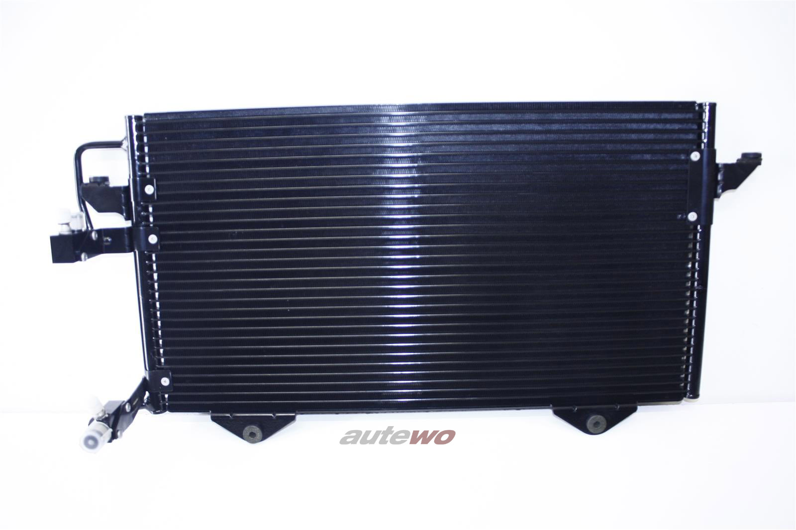 8A0260403D NEU Audi 80 B4 4/6 Zyl. ABC/AAH Klimakondensator Kältemittel R12