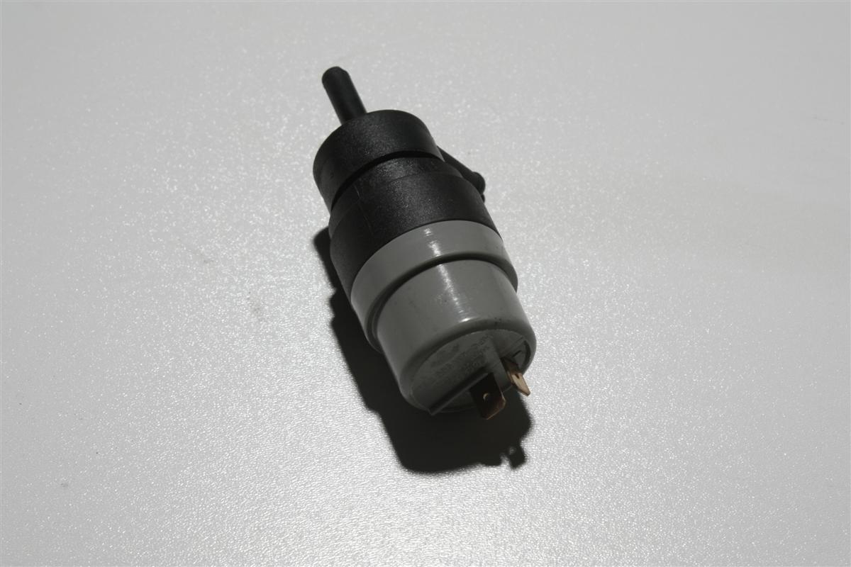 Audi 80/90 Typ81/85/89/100/200 Typ 44/V8 Pumpe Scheibenwaschanlage 431955651