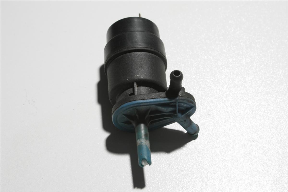 Audi/VW Golf 2/Jetta/Passat Pumpe Scheibenwaschanlage 1K6955651 191955651